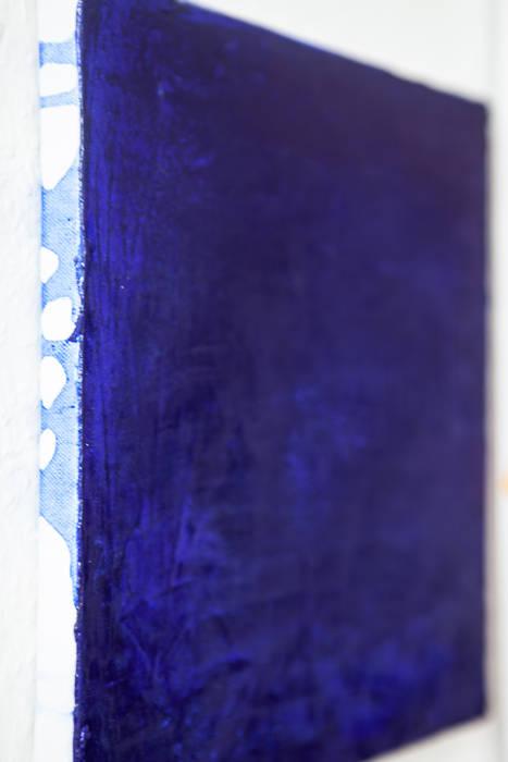 Quadrat 30 x 30, Seitenansicht von Künstlerin