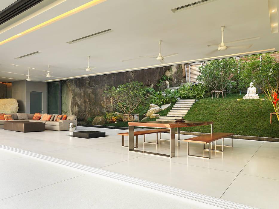 Modern dining room by Original Vision Modern