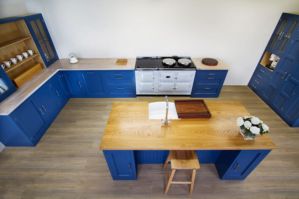 Stiffkey Blue Bespoke Kitchen:  Kitchen by NAKED Kitchens