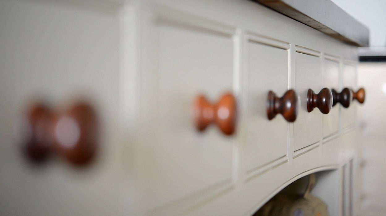 Shaker style made-to-measure drawers:  Kitchen by NAKED Kitchens