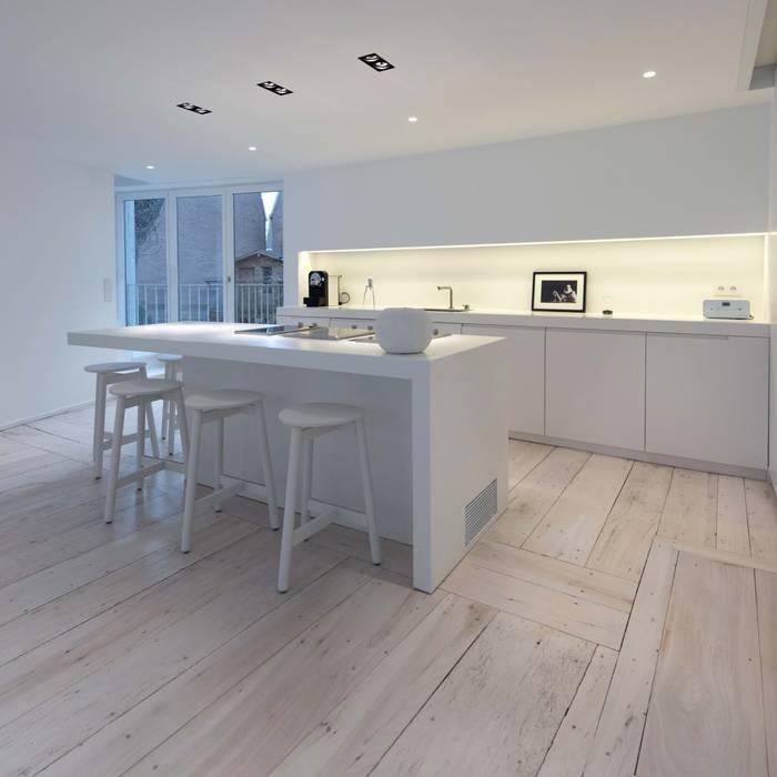 Cocinas de estilo moderno de mayelle architecture intérieur design Moderno