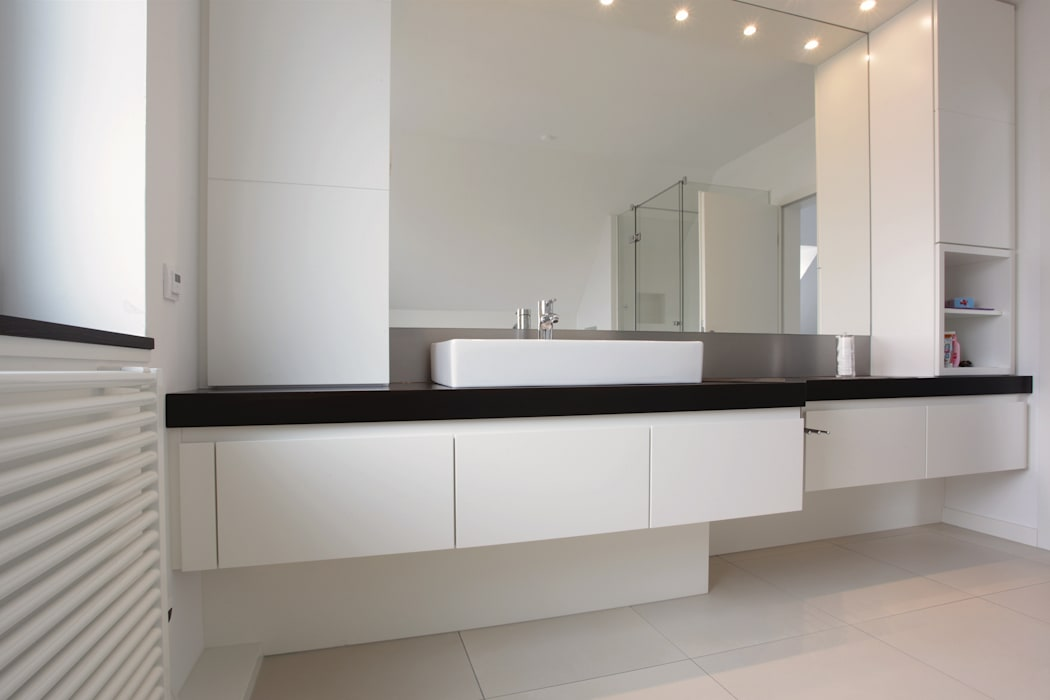 Bad - sanierung: badezimmer von müller tischlerei gmbh&co kg ...
