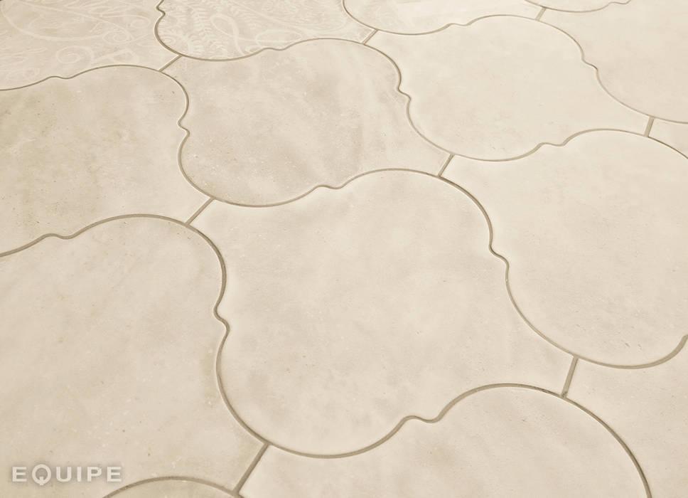 Curvytile Cotto Cinder  26,5x26,5: Bodegas de estilo moderno de Equipe Ceramicas
