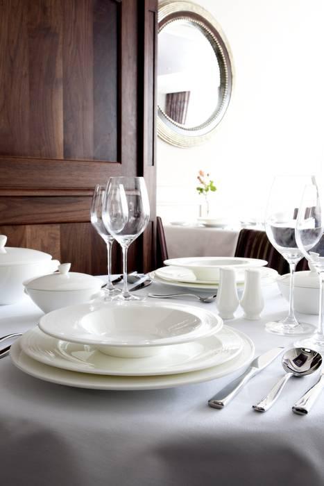 Pure Dinner Plate: modern  by Belleek Living, Modern