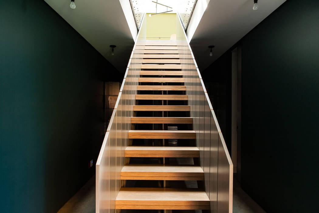 Hampton Residence by Labo Design Studio Сучасний
