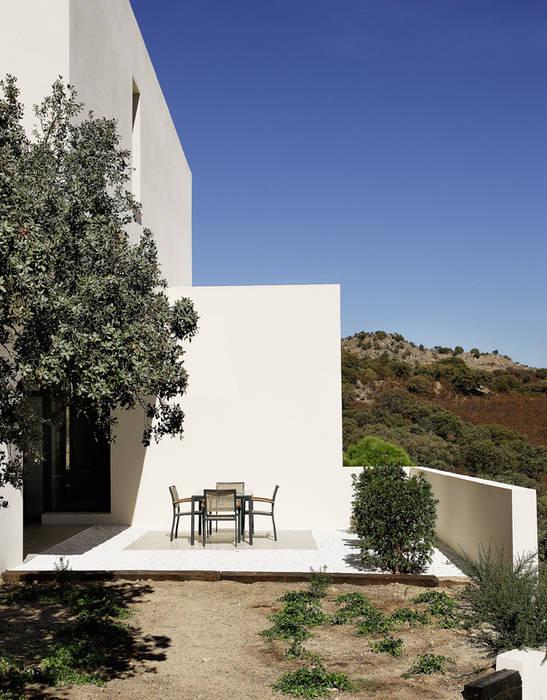Arquitectura moderna en Madrid: Casas de estilo  de Otto Medem Arquitecto vanguardista en Madrid, Moderno