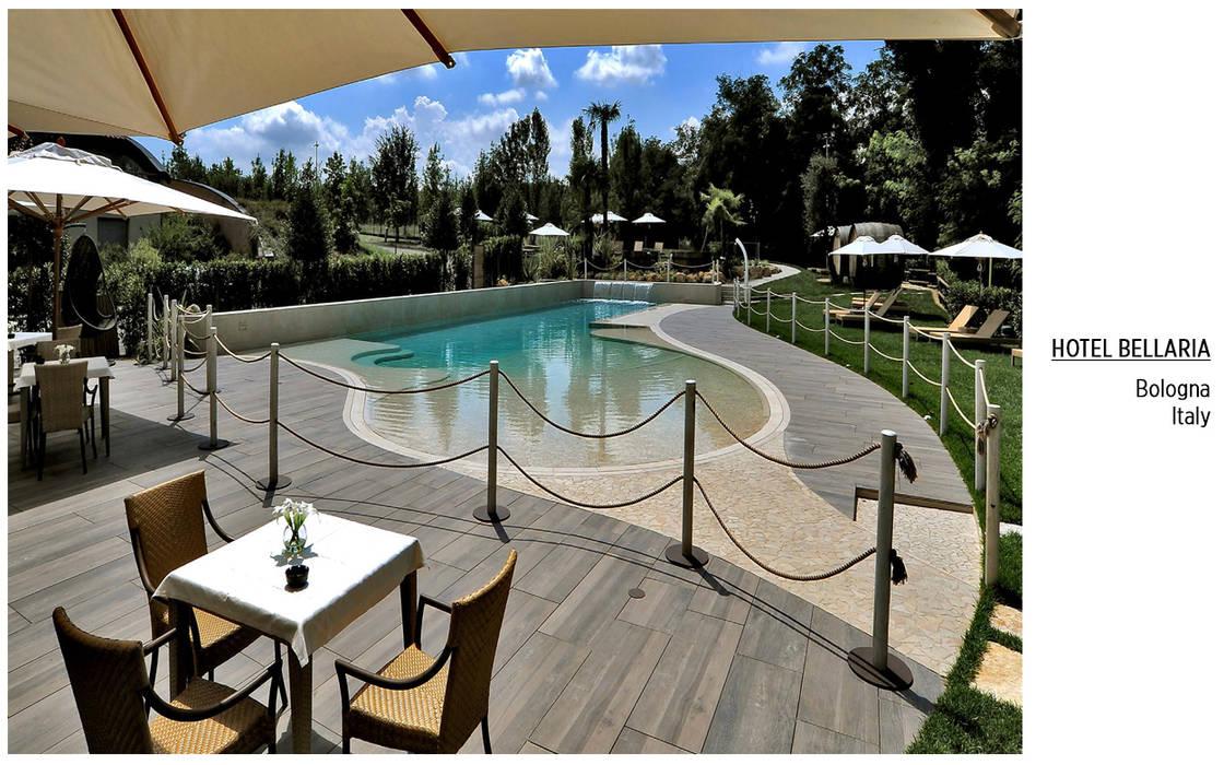 Plaza Yapı Malzemeleri – Havuz & Havuz Kenarı:  tarz Oteller, Tropikal
