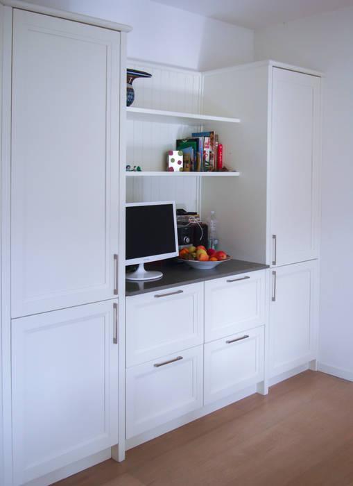 Kitchen by Essenza Legno , Colonial
