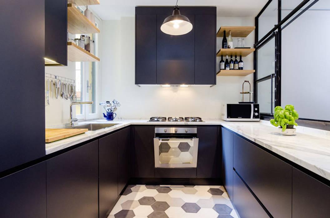 Cocinas de estilo industrial de NOMADE ARCHITETTURA E INTERIOR DESIGN Industrial