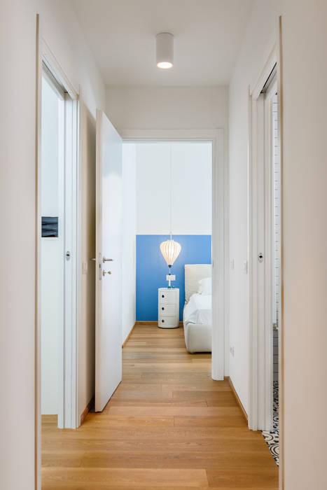 Couloir, entrée, escaliers industriels par NOMADE ARCHITETTURA E INTERIOR DESIGN Industriel