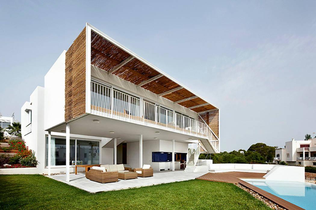 Mediterranean style house by homify Mediterranean