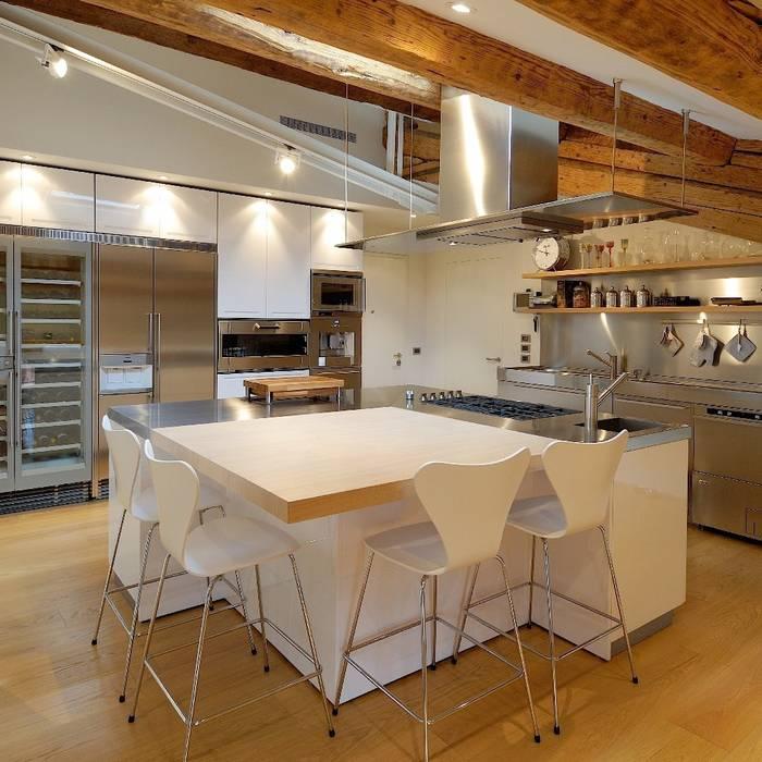 M A+D Menzo Architettura+Design Cocinas de estilo moderno