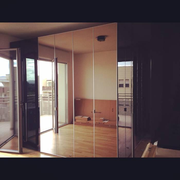 Stanza da letto matrimoniale Case moderne di Arreda Progetta di Alice Bambini Moderno