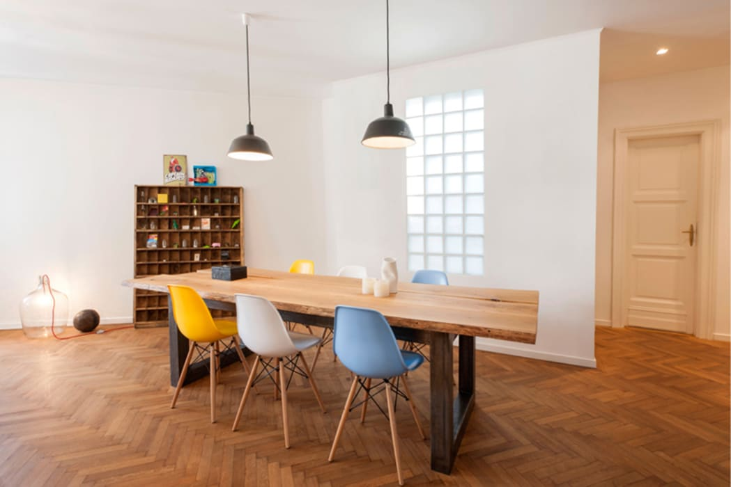 Dining room by INpuls, Modern