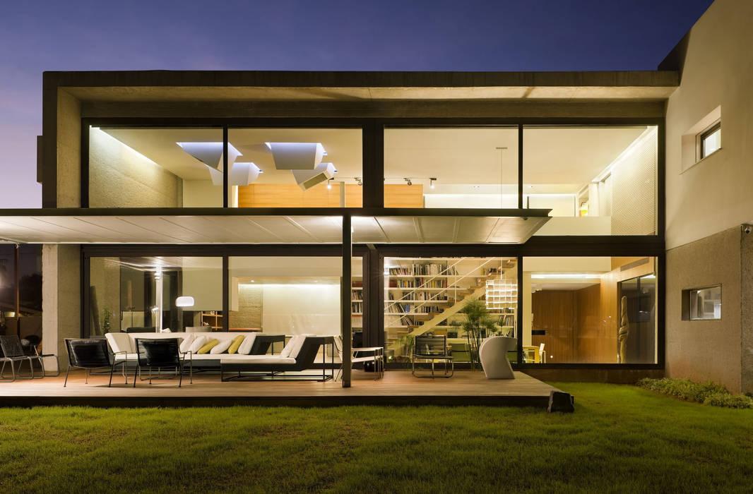Casa D&E: Casas de estilo  de sanahuja&partners,