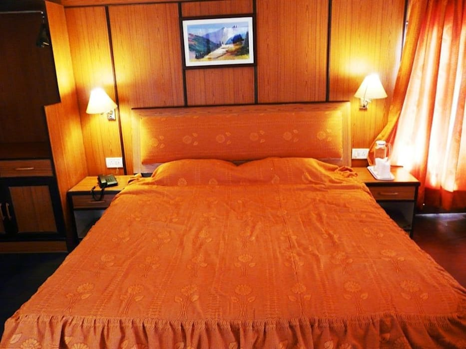 Conferences in Kufri Hotels by Snow King Retreat