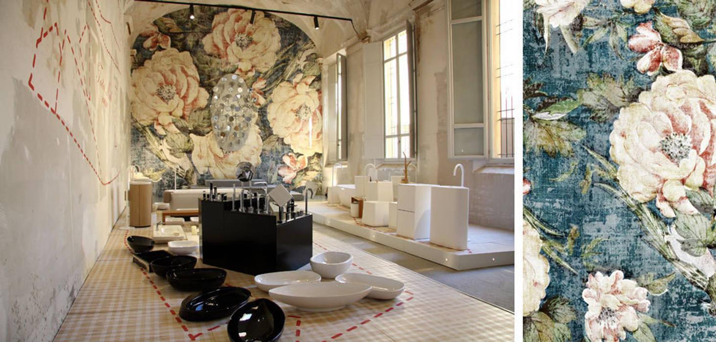 Tailo Made Bathroom: Allestimenti fieristici in stile  di Alhambretto Design Studio