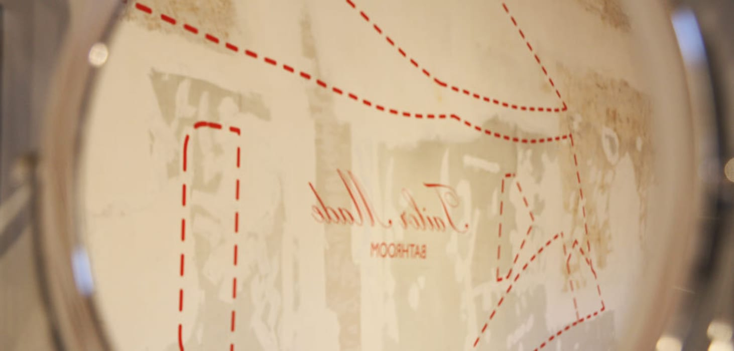Tailor Made Bathroom - Dettagli: Allestimenti fieristici in stile  di Alhambretto Design Studio