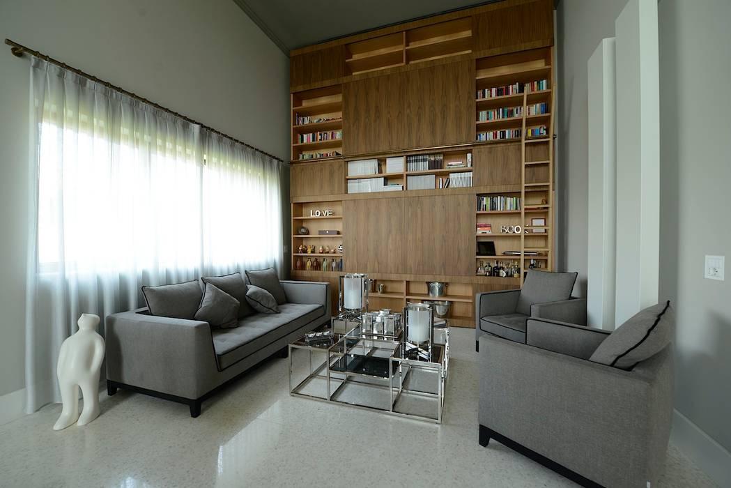 Salotto Soggiorno minimalista di M A+D Menzo Architettura+Design Minimalista