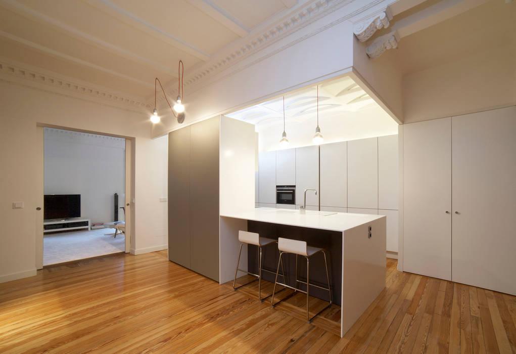 Vivienda Ortega y Gasset.Madrid: Cocinas de estilo moderno de Beriot, Bernardini arquitectos