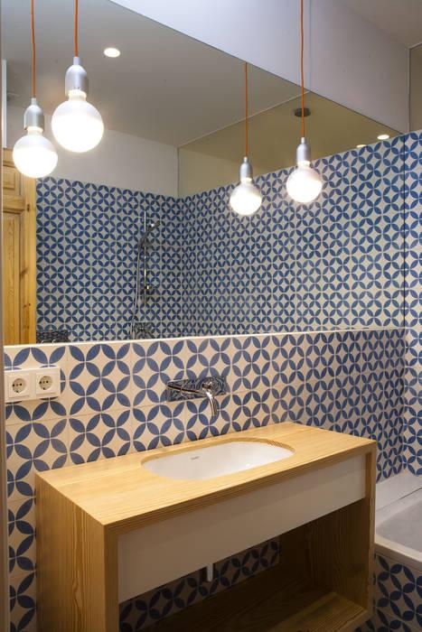 Vivienda Ortega y Gasset.Madrid Baños de estilo moderno de Beriot, Bernardini arquitectos Moderno