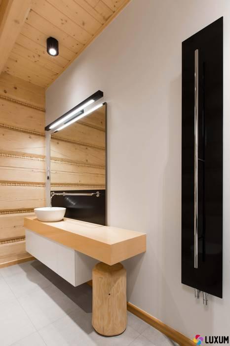 Nowoczesna łazienka: styl , w kategorii Łazienka zaprojektowany przez Luxum,