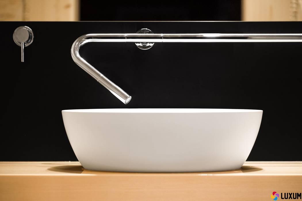 Nowoczesna łazienka Nowoczesna łazienka od Luxum Nowoczesny