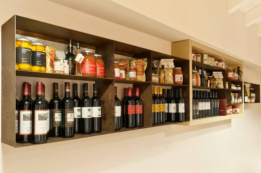 Accà Ristopizzaperitivo: Negozi & Locali commerciali in stile  di CSP2 studio