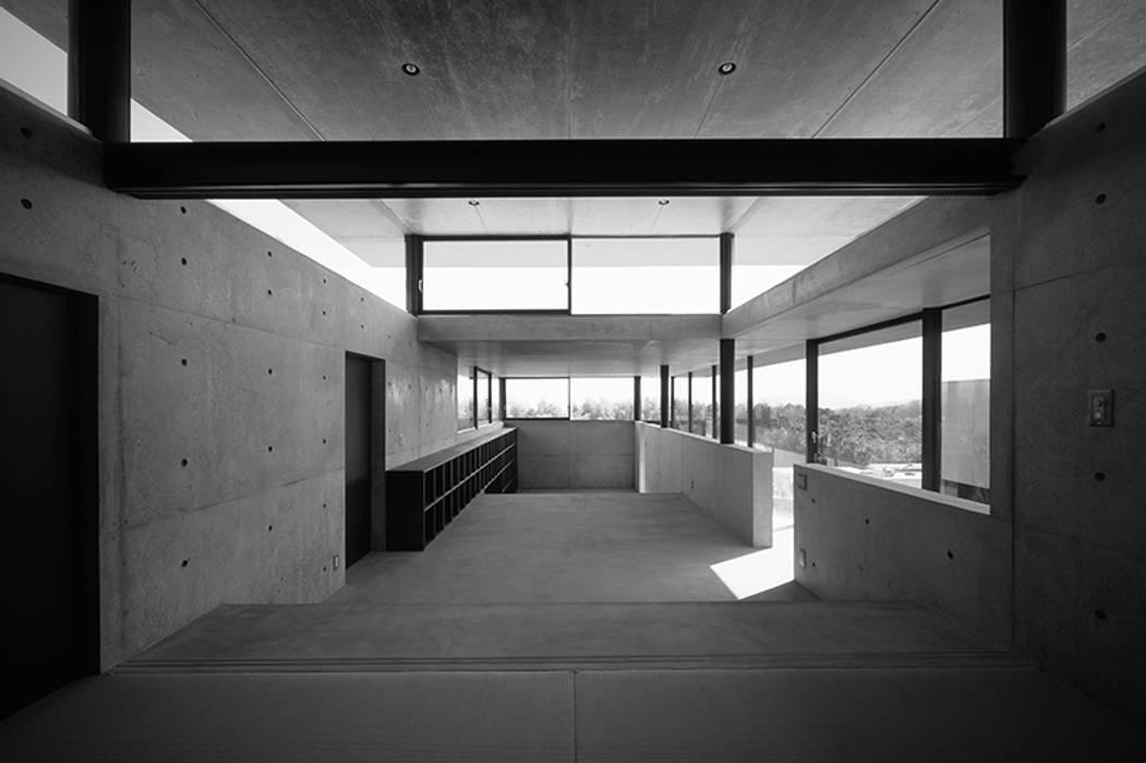House in Yatakayama 藤本寿徳建築設計事務所 モダンな 家