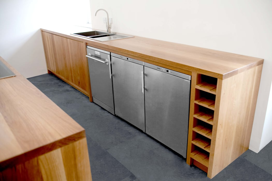 Traditional Materials, Minimalist Kitchen Design:  Kitchen units by NAKED Kitchens