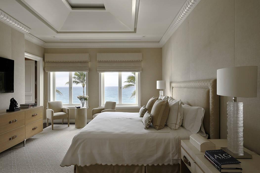 Residenza privata - Palm Beach, Florida - Master bedroom:  in stile  di Ti Effe Esse Interiors