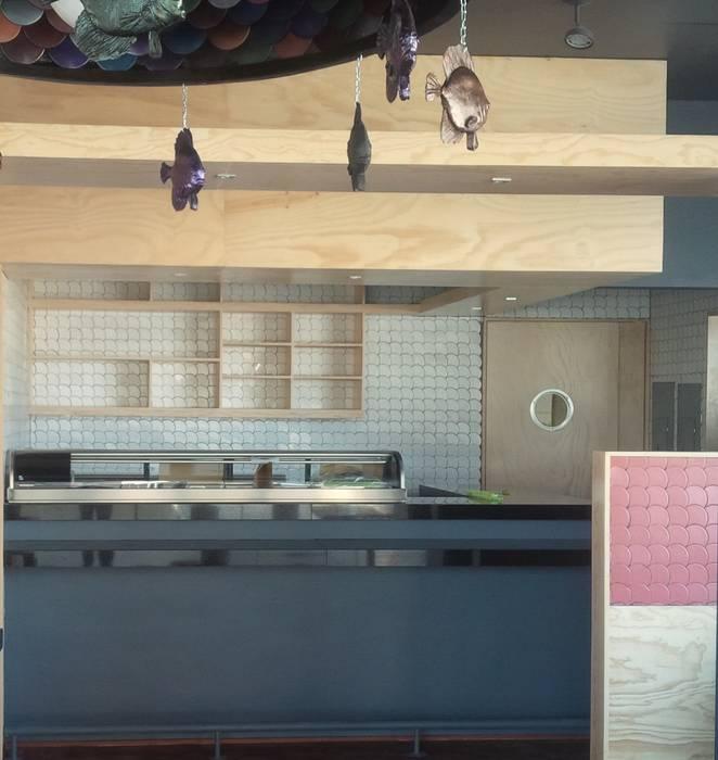 Kasumi, Restaurante Japones: Restaurantes de estilo  por FT Wallmosaic
