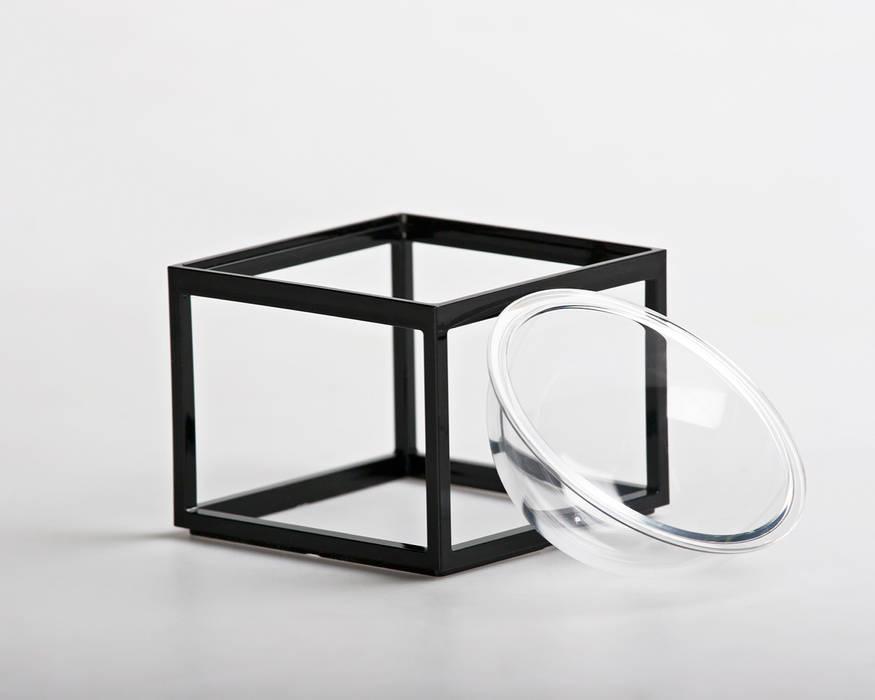 мінімалістський  by YU HIRAOKA DESIGN, Мінімалістичний