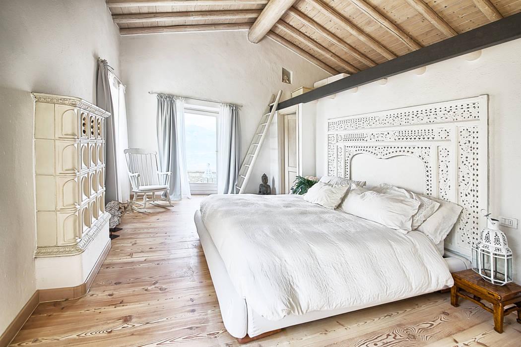 Rustic style bedroom by STUDIO PAOLA FAVRETTO SAGL - INTERIOR DESIGNER Rustic Engineered Wood Transparent