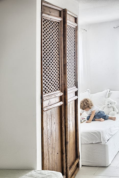 Un dettagio: Stanza dei bambini in stile  di STUDIO PAOLA FAVRETTO SAGL - INTERIOR DESIGNER