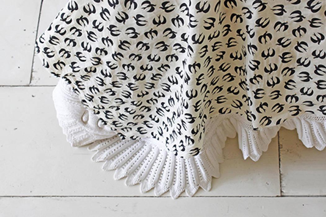 Tissu Hirondelles:  de style  par Fifi Mandirac, Moderne