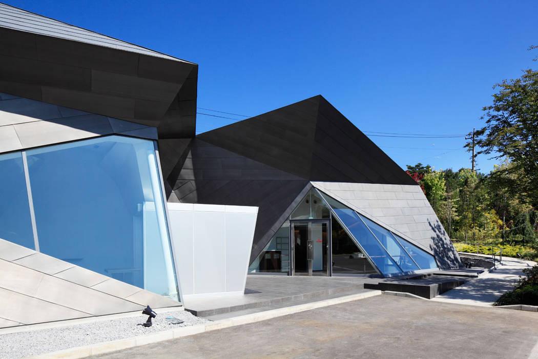 エントランス: 株式会社 安井秀夫アトリエが手掛けた美術館・博物館です。