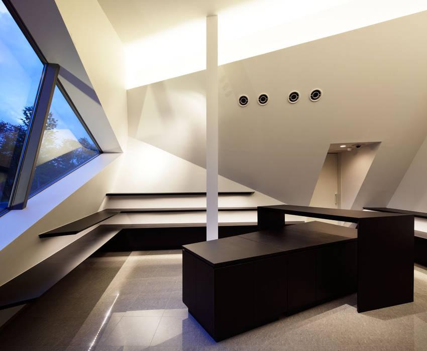 スーベニアショップ: 株式会社 安井秀夫アトリエが手掛けた美術館・博物館です。