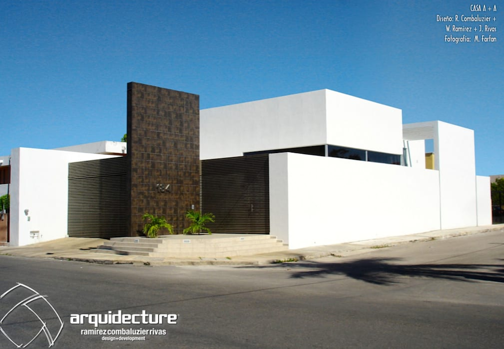 by Grupo Arquidecture