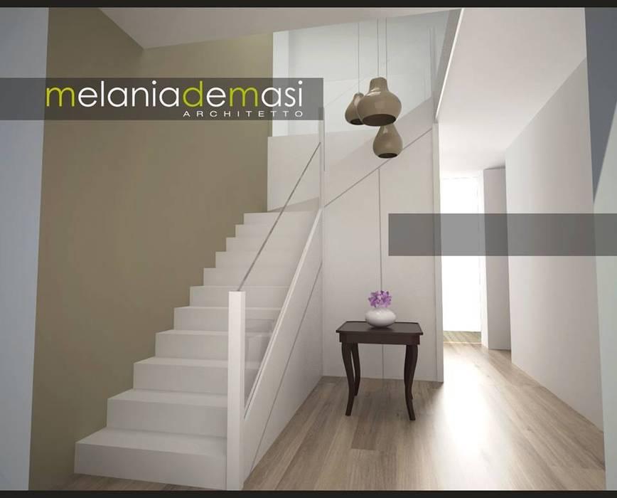 Casale Re-work Ingresso, Corridoio & Scale di melania de masi architetto
