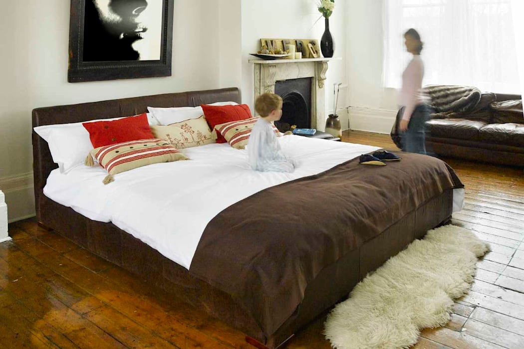 Eloise Bed:  Bedroom by The Big Bed Company