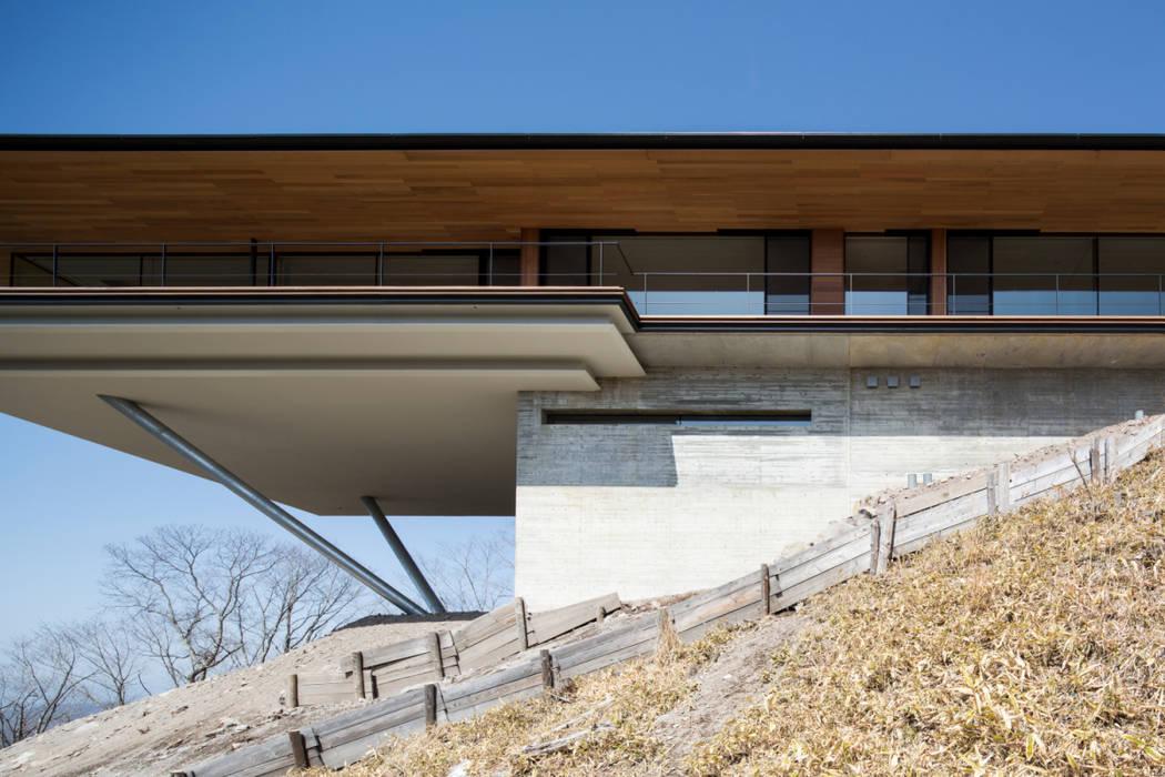 全景_見上げ モダンな 家 の 城戸崎建築研究室 / KIDOSAKI ARCHITECTS STUDIO モダン