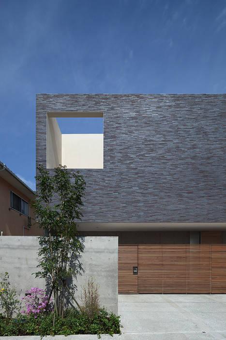 外観 モダンな 家 の Atelier Square モダン