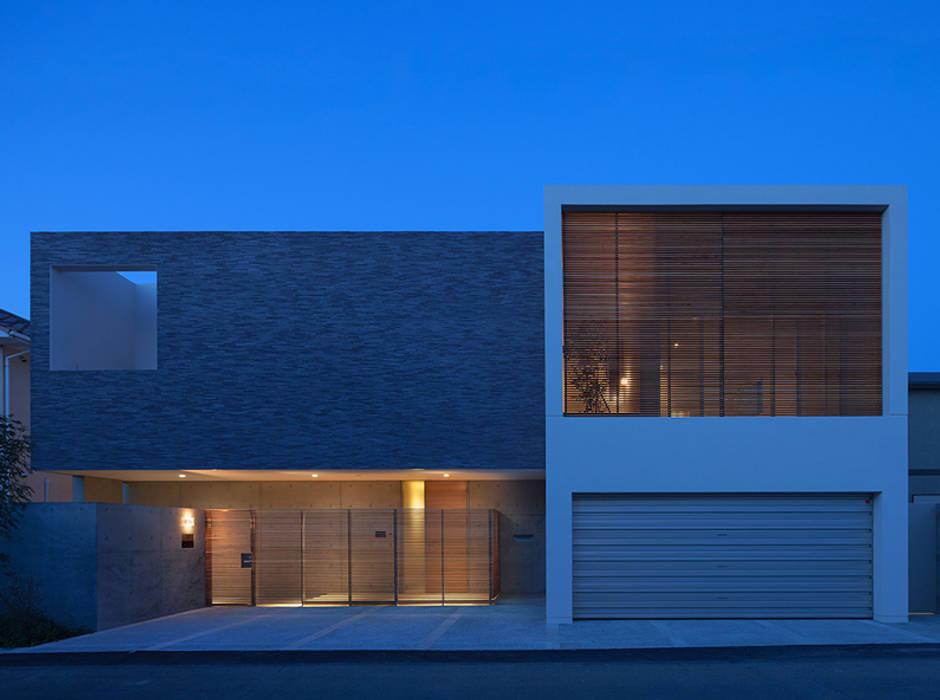 外観 夕景 正面: Atelier Squareが手掛けた家です。