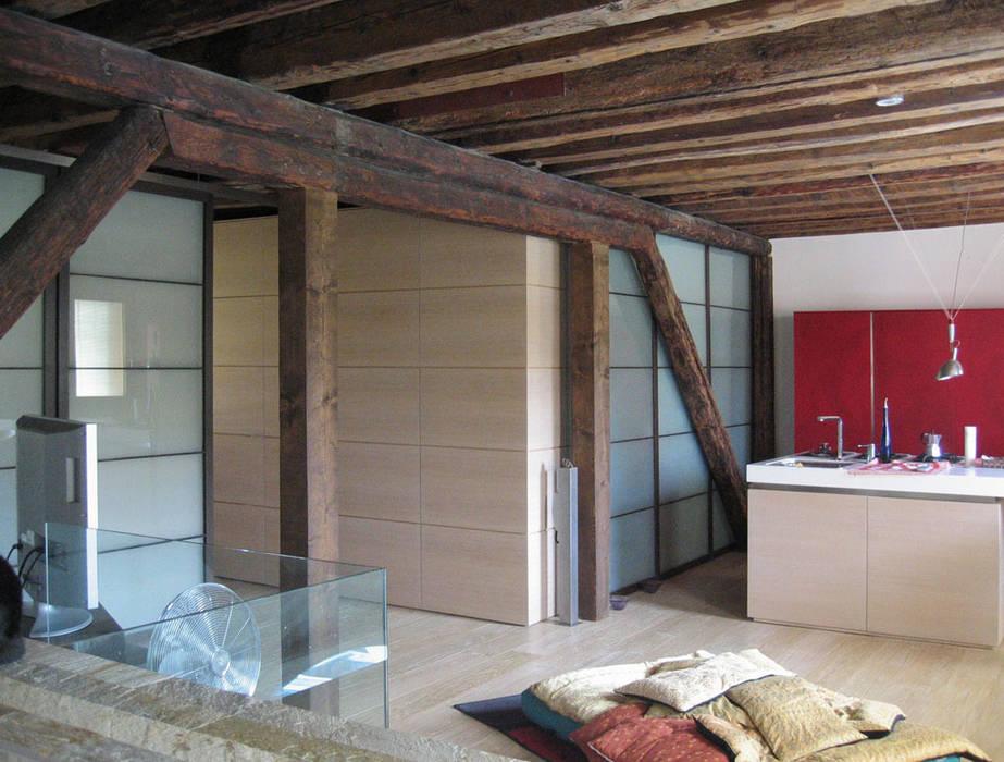 interno Piano primo: Case in stile  di nicola feriotti studio