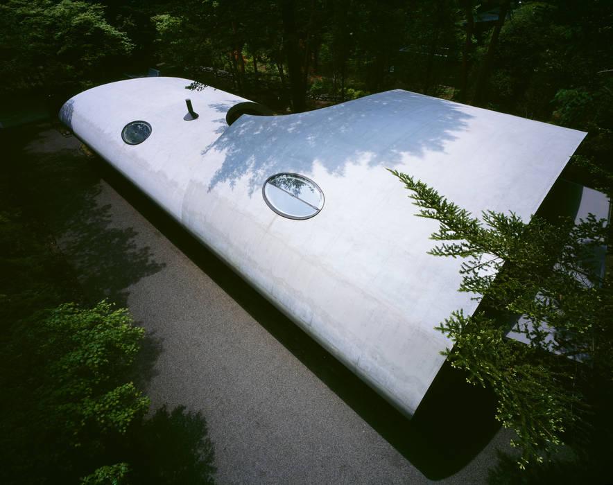 SHELL ARTechnic architects / アールテクニック モダンな 壁&床