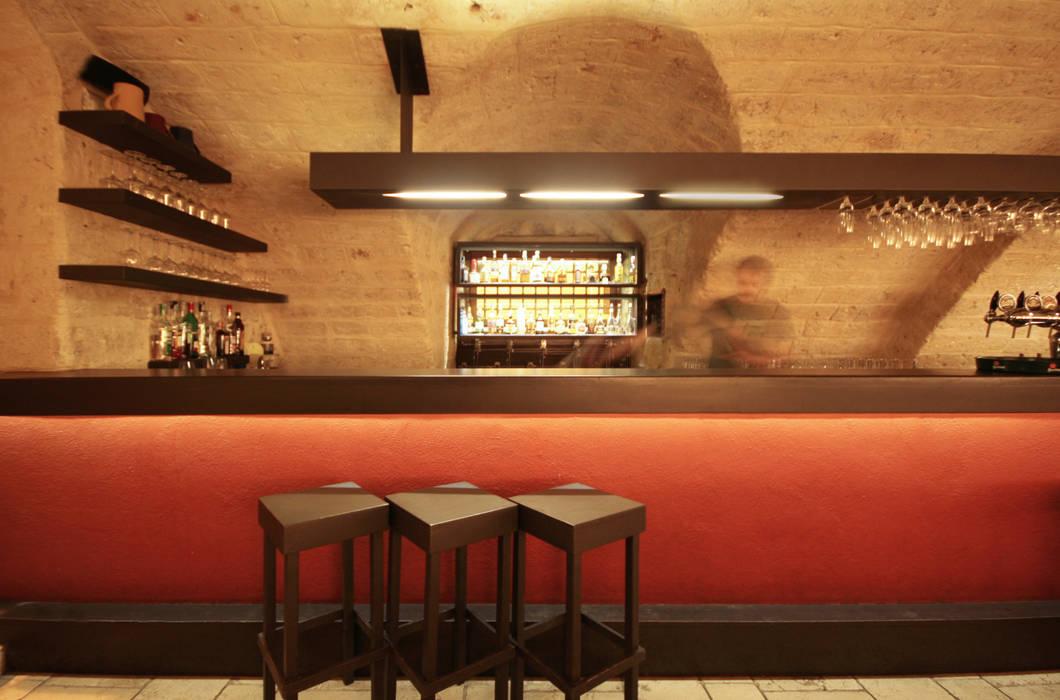 Banco: Bar & Club in stile  di francesco marella architetto