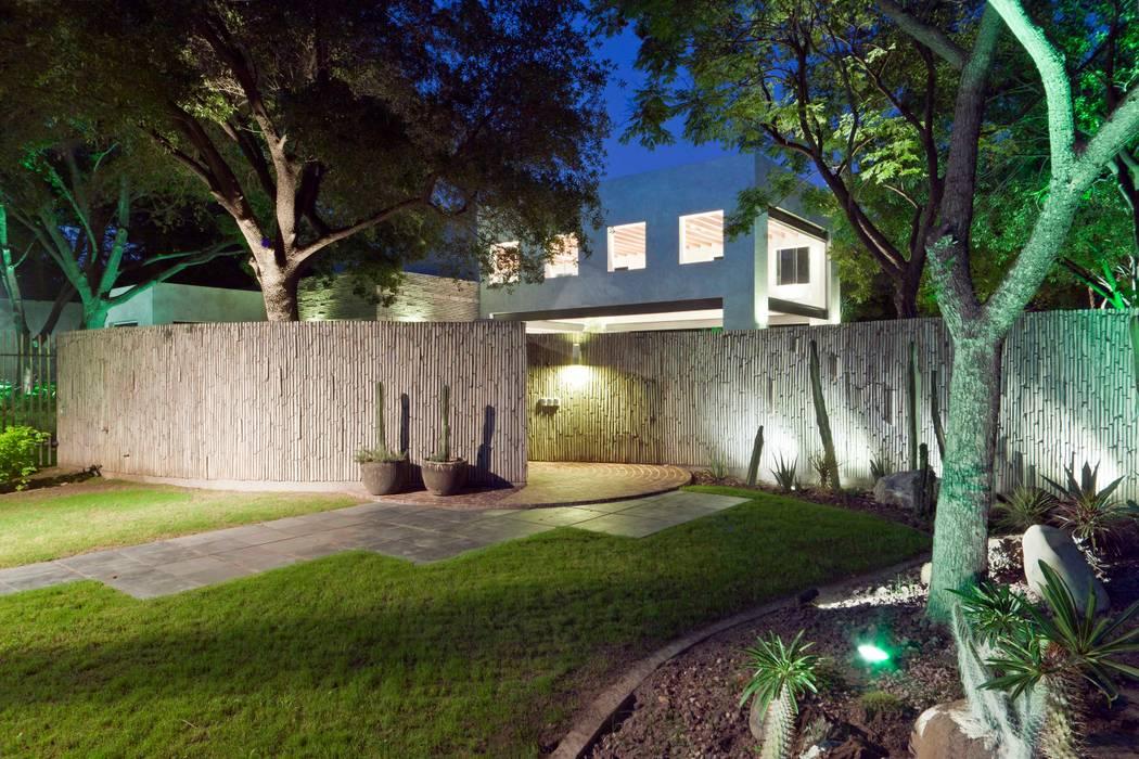 Jardín Jardines modernos de ARQUIPLAN Moderno