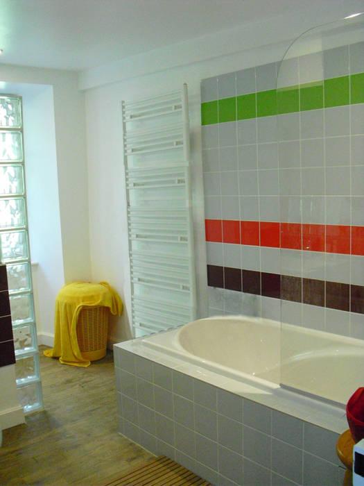 Salle de bain commune Couloir, entrée, escaliers modernes par Victoria Paulus Moderne