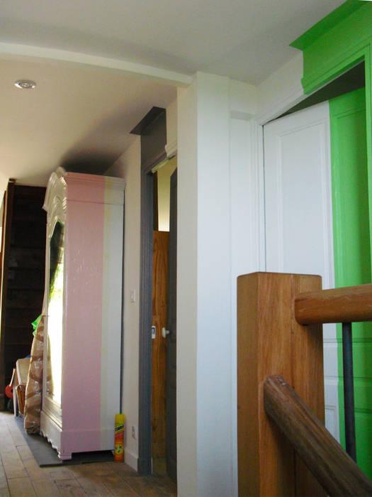couloir Couloir, entrée, escaliers modernes par Victoria Paulus Moderne
